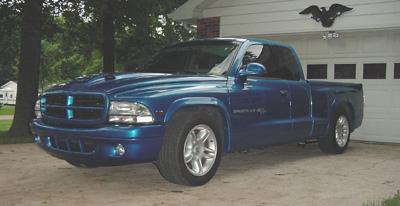 Dakrt Ajune on 2001 Dodge Dakota Roll Pan
